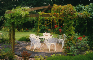 Pergola - Interscape UK, Peter Burch Landscapes, Farnham, Surrey